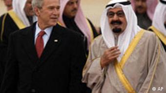 Der frühere US-Präsident George Bush beim saudischen König Abdullah (Foto:AP)