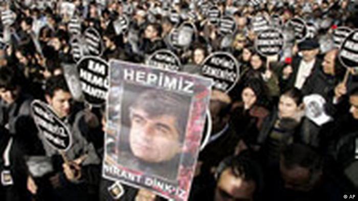 Türkei Demonstration in Istanbul nach Ermordung von Hrant Dink