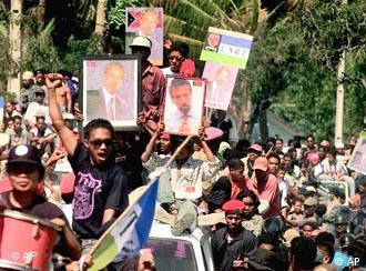 Pro-independence protesters took to the streets of East Timor in 1999 and were brutally crushed by the Indonesian army -- hundreds died