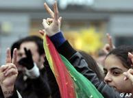 Περισσότερα δικαιώματα για τους Κούρδους