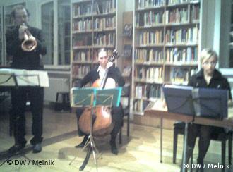 Ансамбль Minsker Kapelye и Пол Броди во время совместного концерта в Бонне 29.01.2008