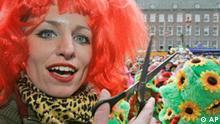 Deutschland Karneval Düsseldorf Weiberfastnacht