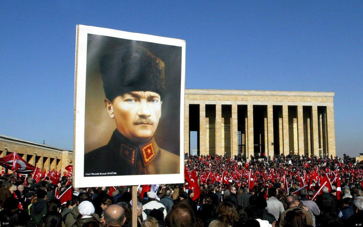 Demonstration am Atatürk-Grabmal