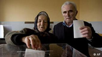 An ethnic Serb couple vote