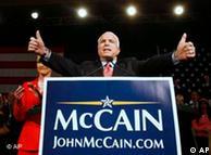 McCain suma 522 delegados, su principal rival 223.