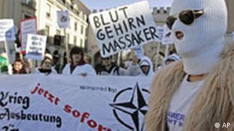 Deutschland Sicherheitskonferenz in München Hotel Bayerischer Hof Demonstration