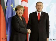 Η καγκελάριος Άγκελα Μέρκελ και ο πρωθυπουργός Ταγίπ Ερντογάν κατά την επίσκεψή του στη Γερμανία το 2008