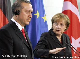 German chancellor Angela Merkel and Turkish Prime Minister Erdogan at joint press conference