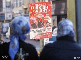 Турки интегрированы хуже других