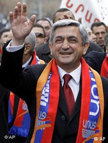 Prime minsiter Serzh Sarkisian, walking through a crowd
