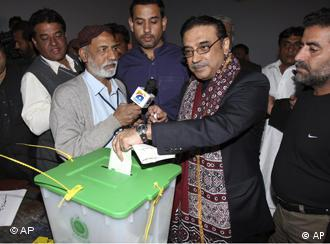 Pakistan People Party co-chairperson Asif Ali Zardari now has to form a coalition