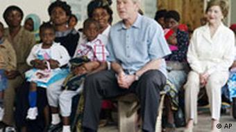 Präsident George Bush Laura Bush in Arusha, Tansania