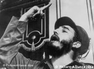 Fidel Castro raising a finger during a speech in 1959