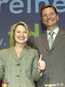 Май, 2001: с генеральным секретарем СвДП Корнелией Пипер