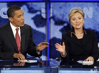 Democratic presidential hopefuls, Sen. Barack Obama, D-Ill., left, and Sen. Hillary Rodham Clinton, D-N.Y., argue a point during a Democratic presidential debate in Austin, Texas, Thursday, Feb. 21, 2008. (AP Photo/LM Otero)