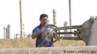 Ölarbeiter (Quelle: DPA)