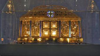 The remains of Hildegard von Bingen in a golden chest