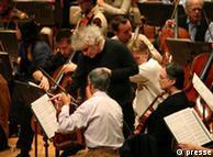 نوازندگان ارکستر سمفونی برلین باید در