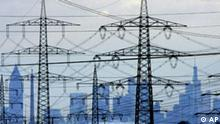 Deutschland Energie Netze EON Strommasten in Frankfurt