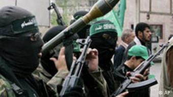 Maskierte Hamas-Kämpfer (Archivfoto: AP)