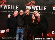 Elenco de Die Welle, cinta que se presentará en La Habana.