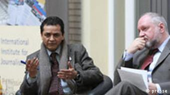 Sankarshan Thakur, Editor der indischen Zeitung the Telegraph und Werner D`Inka, Herausgeber FAZ bei der Konferenz Online Journalism, Opportunities and Challenges for Press Freedom, Berlin, 13.3. 2008