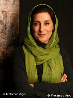 معتمدآریا از هنرمندانی است که در انتخابات سال ۸۸ از میرحسین موسوی حمایت کرد