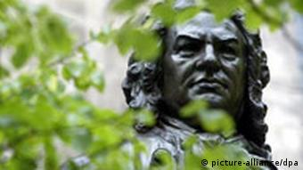 The head of Bach's statue outside of the Thomaskirche in Leipzig