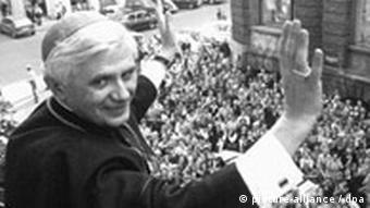 Pope Benedikt XVI (then Archbishop Josef Ratzinger) is greeted by a jubilant crowd in Munich