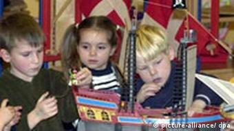 Danish children in a kindergarten in Flensburg (picture-alliance/ dpa)