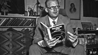Arthur C. Clarke liest aus seinem Roman Die Erforschung des Weltraums, Quelle: AP