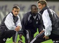 Asamoah, ao lado de Böhme e Hamann, todos na seleção alemã
