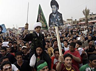 تظاهرات طرفداران مقتدا صدر در بغداد - آمریکا میگوید که ایران در ایجاد اغتشاش در عراق نقشی اساسی ایفا میکند