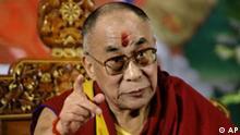 Dalai Lama auf Pressekonferenz in Neu Delhi