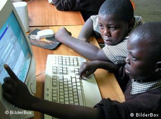 Schüler in Sambia (Foto: BilderBox)