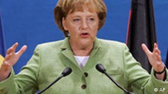 Rumänien NATO Gipfel in Bukarest Angela Merkel