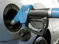Los surtidores de gasolina para el nuevo Super E10 serán adaptados a comienzos de 2011.