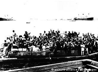 Judeus imigrantes chegam a Haifa em 1948