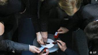 German parliamentarians cast their votes