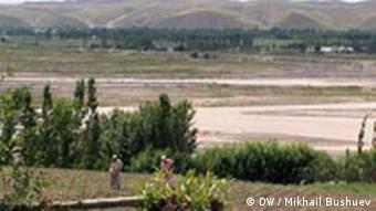 Landschaft an der Grenze zwischen Usbekistan und Kirgisistan (Foto: DW)