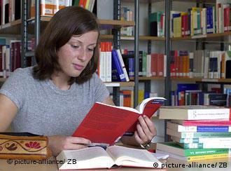 Redução na arrecadação de impostos ameaça existência de bibliotecas alemãs