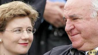 Maike Richter and Helmut Kohl Photo: AP Photo/Frank Augstein)