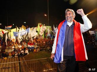 Fernando Lugo: Ex-Bischof, bald Präsident?