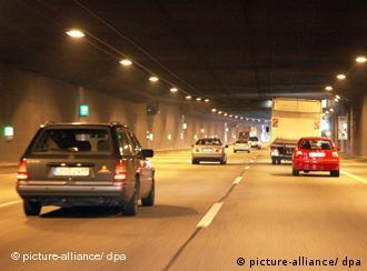 Худший в Германии и один из худших в Европе, туннель под Дюссельдорфом должен превратиться через несколько лет в образец безопасности и комфорта
