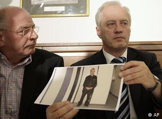 Die österreichische Polizei präsentiert Einzelheiten zum unfassbaren Fall des geständigen Inzest-Täters (AP-Photo)