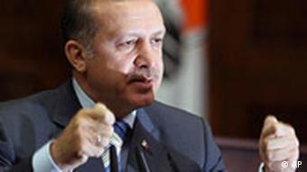 رجب طیب اردوغان، نخستوزیر ترکیه، امضای قرارداد نوباکو را گامی مؤثر در ارتقای جایگاه ترکیه خواند (عکس از آرشیو)