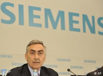 Председатель правления Siemens Петер Лёшер