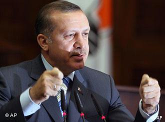 Başbakan Recep Tayyip Erdoğan, Davos'ta katıldığı oturumu terk etti