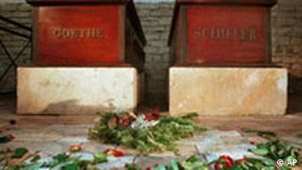 Flowers placed on Goethe's and Schiller's graves in Weimar