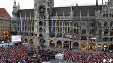 Bdt FC Bayern München feiert in der Innenstadt